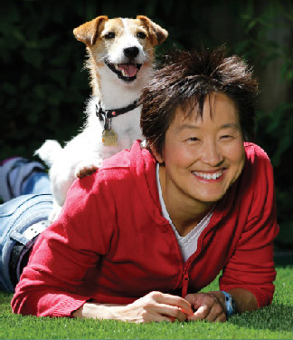 Meet Veterinarian and Animal Behaviorist Dr. Sophia Yin   Dr. Sophia Yin knows what it's like to have a problem pet and nowhere to turn for professional help. And she has witnessed countless fractured relationships between misunderstood pets and their frustrated humans companions.  As a result, her mission in life is to improve our understanding of animals and their behavior so that we can care for, appreciate and enjoy our time with them better.