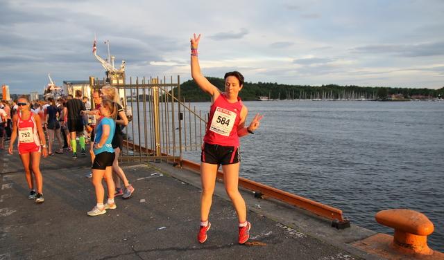 Foto: Heming Leira kondis.no  Før løpet: øver på seiersdansen. Har litt å gå på (her også)