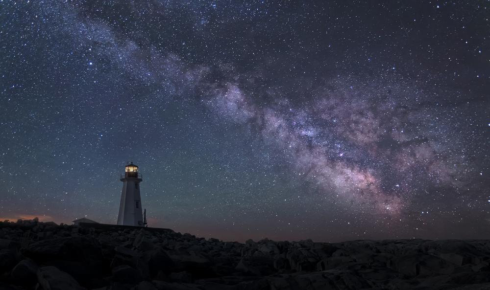 milky way lighthouse.jpg
