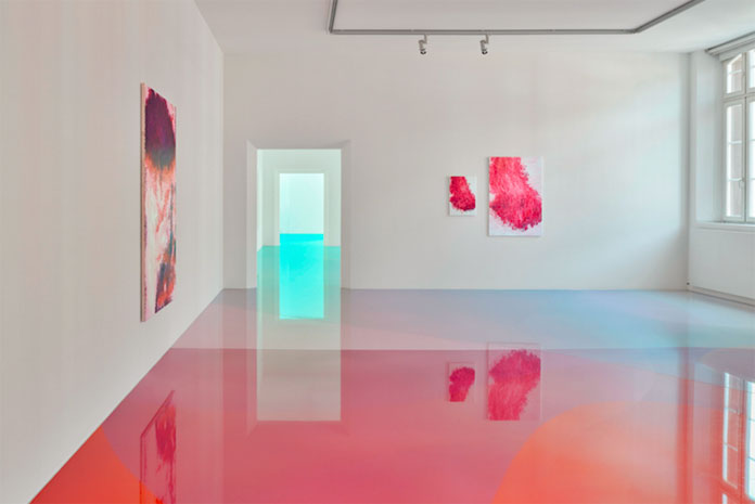 4-The-artist-used-a-colorful-resin-that-looks-like-a-liquid.jpg