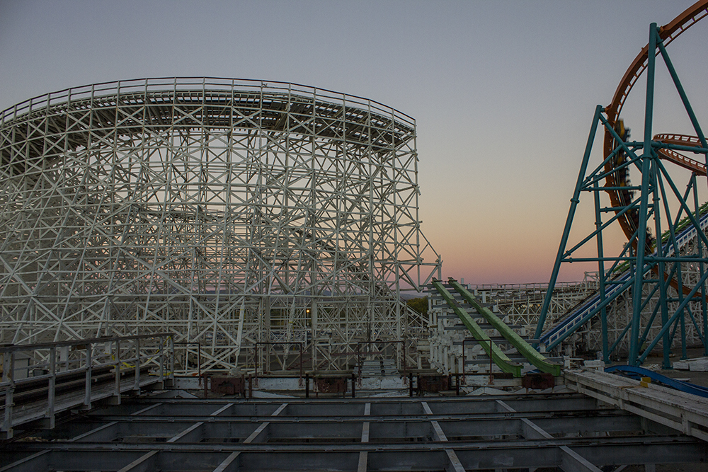 Six-Flags-Magic-Mountain-Gives-Sneak-Peek-For-Twisted-Colossus-Holiday-In-The-Park-1.jpg