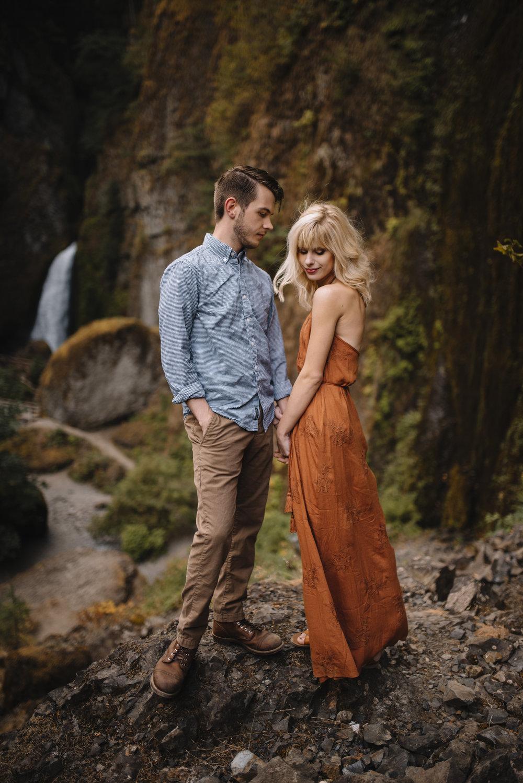 Columbia River Gorge Oregon Adventure Couples Photographer 125.jpg