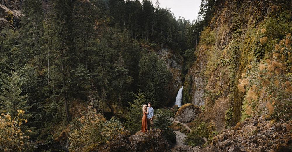 Columbia River Gorge Oregon Adventure Couples Photographer 131.jpg