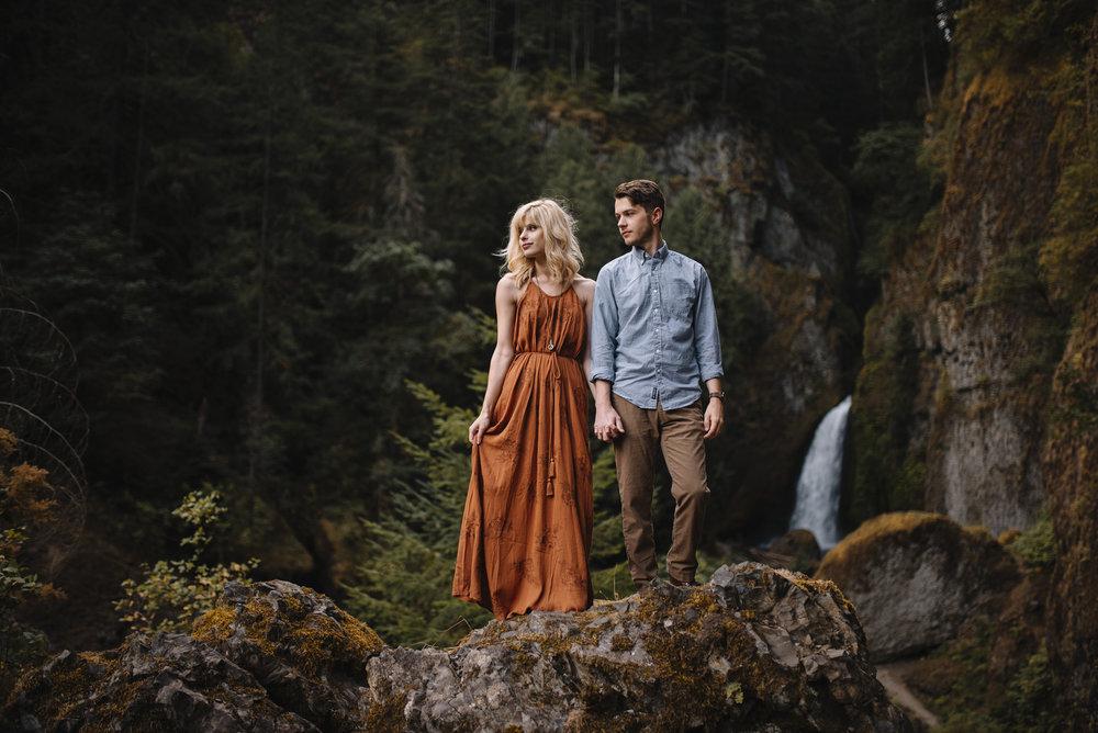 Columbia River Gorge Oregon Adventure Couples Photographer 142.jpg