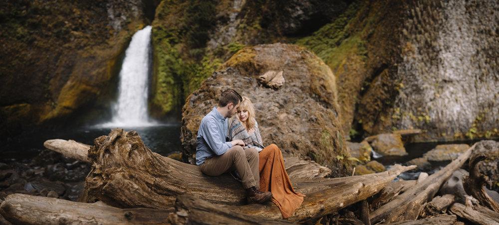 Columbia River Gorge Oregon Adventure Couples Photographer 180.jpg