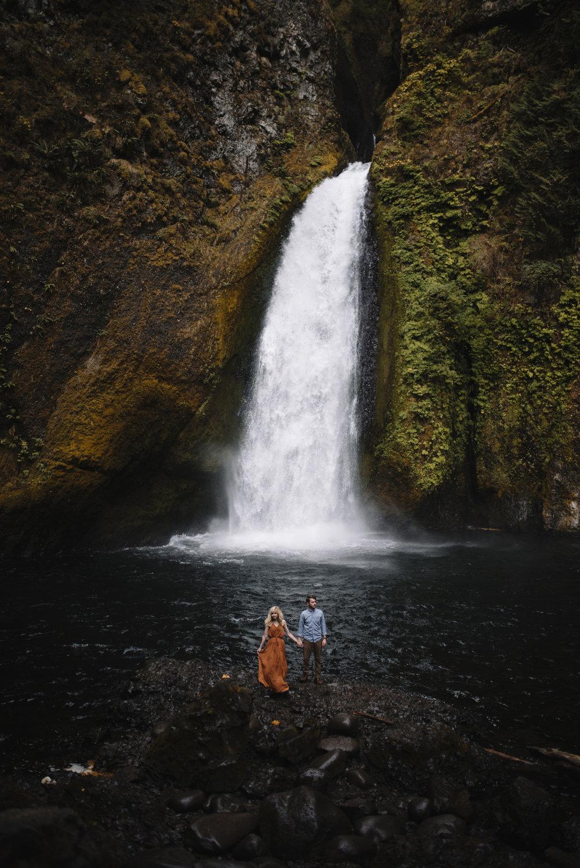 Columbia River Gorge Oregon Adventure Couples Photographer 253.jpg