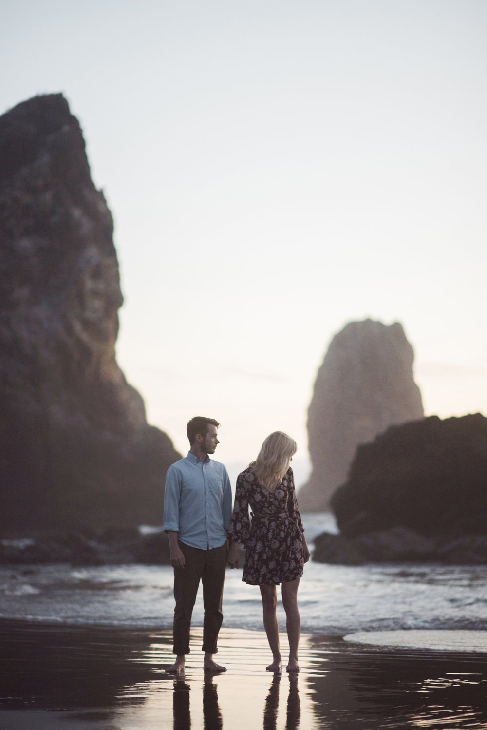 Cannon Beach Oregon Coast Adventure Couples Photographer 220.jpg