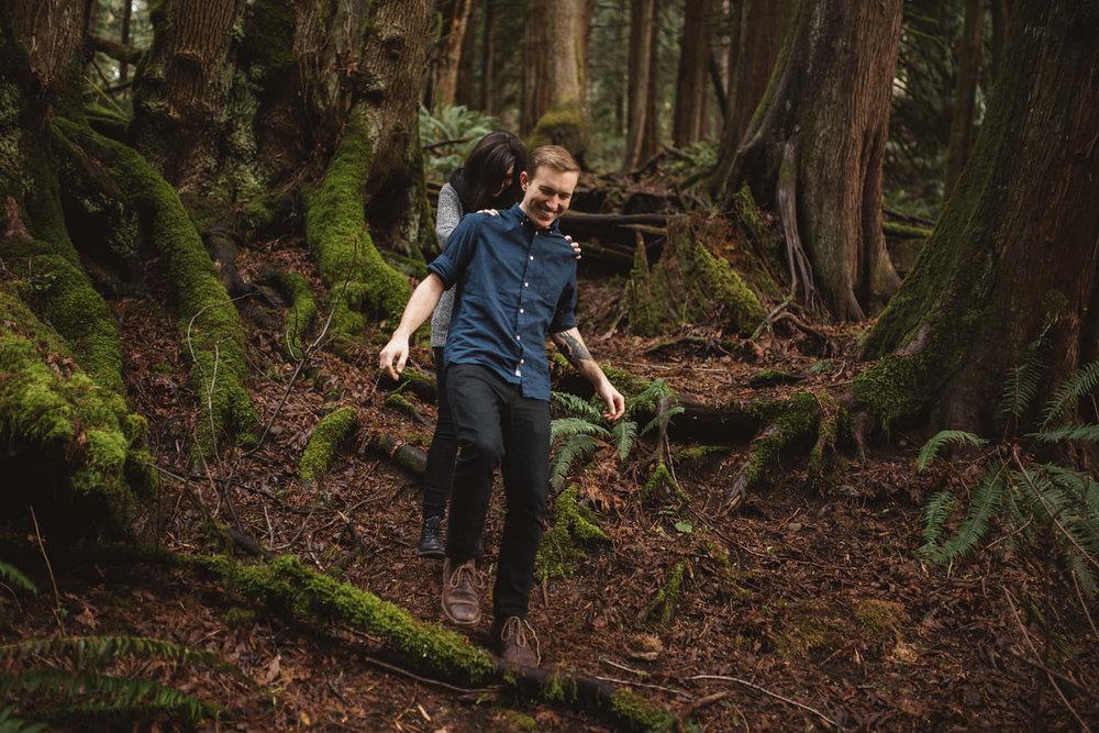 Snoqualmie-Washington-Adventure-Anniversary-Photography18-.jpg