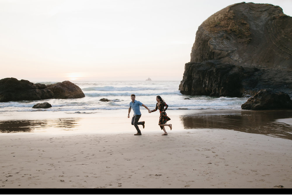 Cannon-Beach-Adventure-Engagement-Photography-Oregon-Destination-Elopement-Photographer159.JPG
