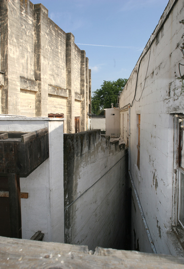 Existing link between two buildings