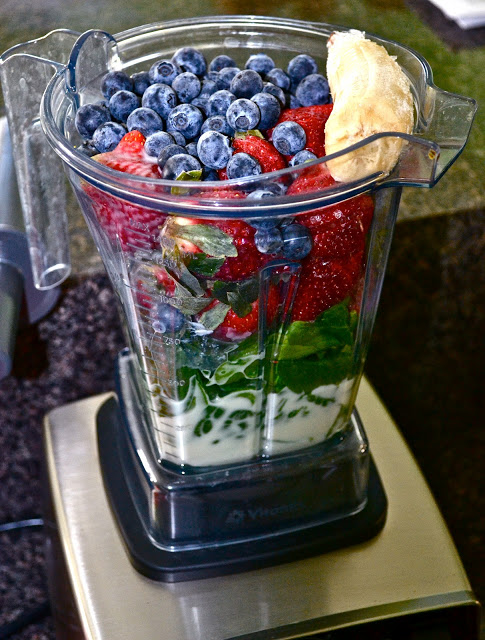 vii Reasons Your Smoothie Is Making You Fat