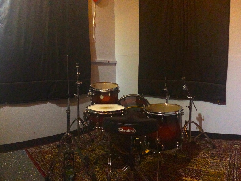 Room D  is perfect for the drummer that is working by themselves. Comes equipped with a five piece Mapex Meridian Kit.