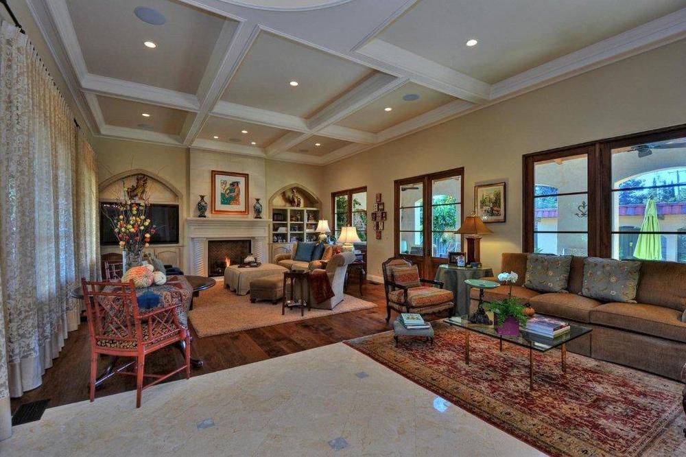 willow_glen_living_room.jpg