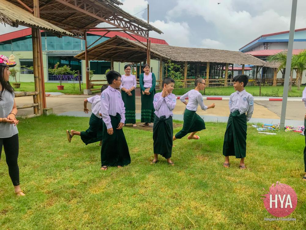 Hongyun-Art--Myanmar-International-Summer-Camp-320.jpg