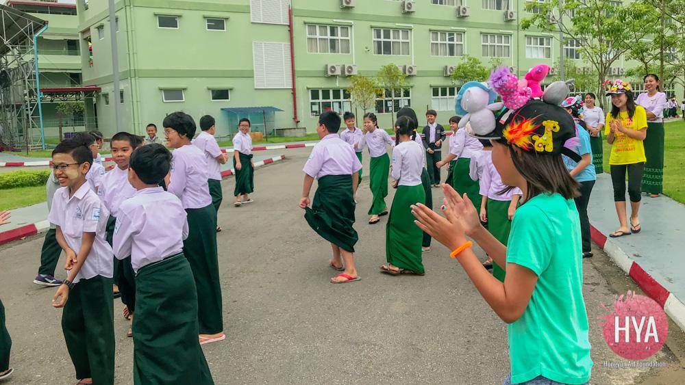 Hongyun-Art--Myanmar-International-Summer-Camp-329.jpg