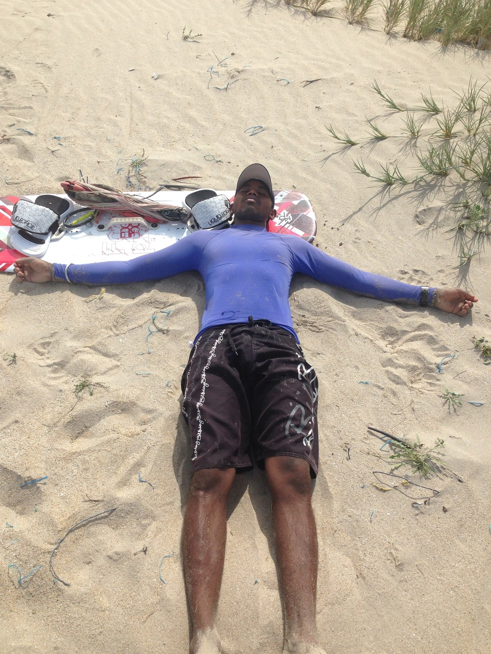 Govinda takes an afternoon Kite nap, kitesurfing