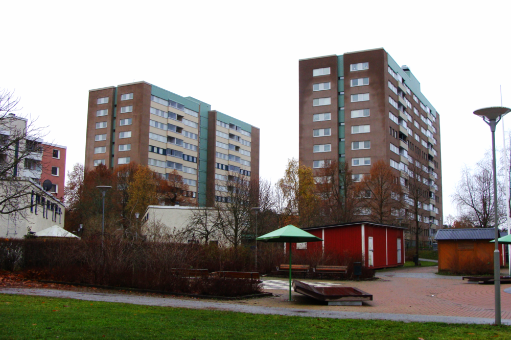 The Järva project tackled the retrofit of these existing residential towers to achieve significantly improved energy efficiency performance