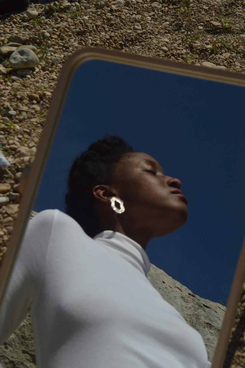Arianna-Jones-Alma-Deco-Earrings