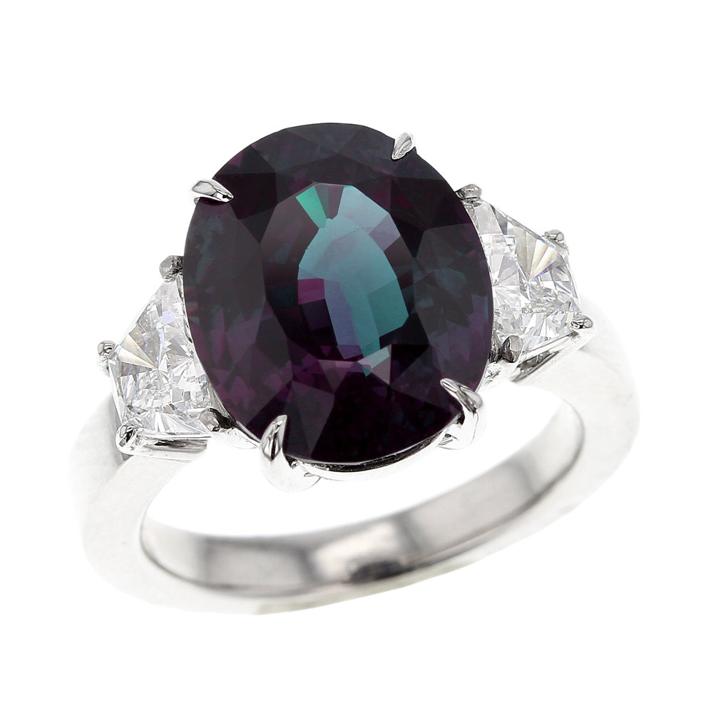 8+ CT. CLASSIC BRAZILLIAN ALEXANDRITE AND DIAMOND RING