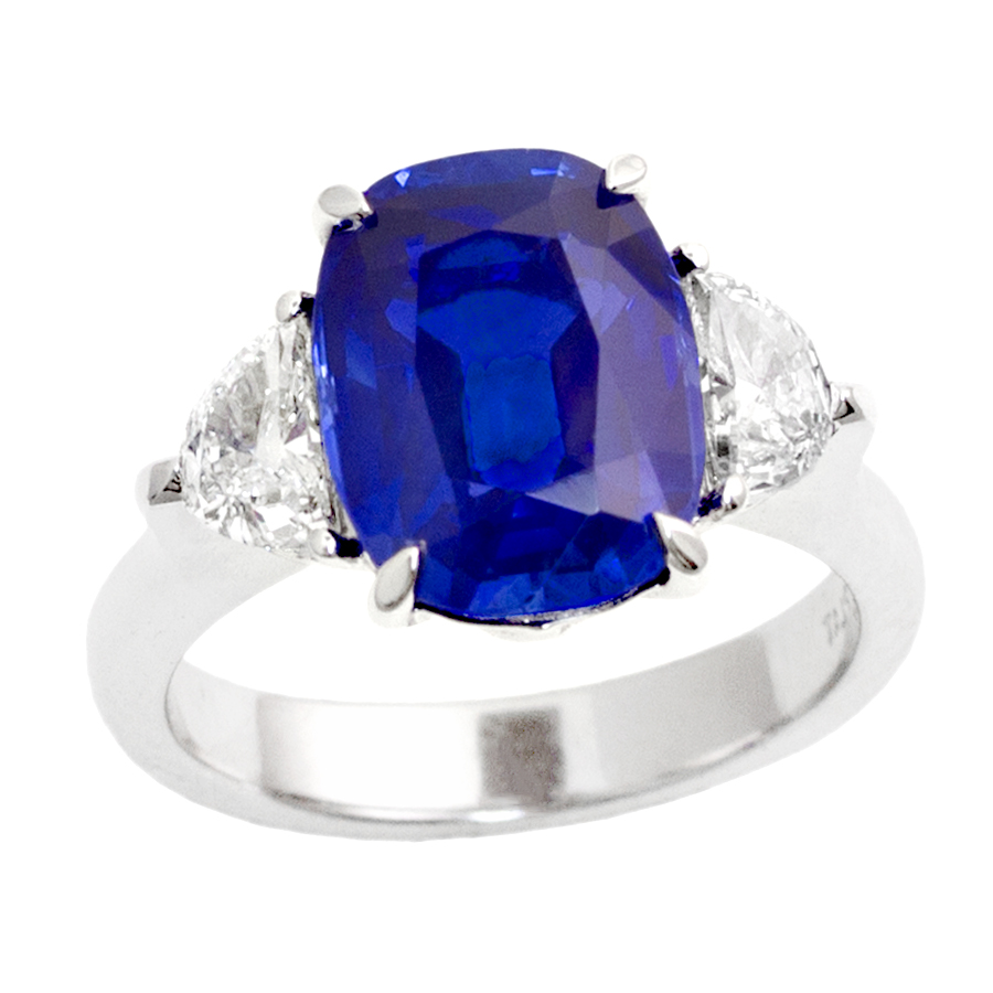 5 CT. NATURAL NO HEAT KASHMIR SAPPHIRE AND DIAMOND RING