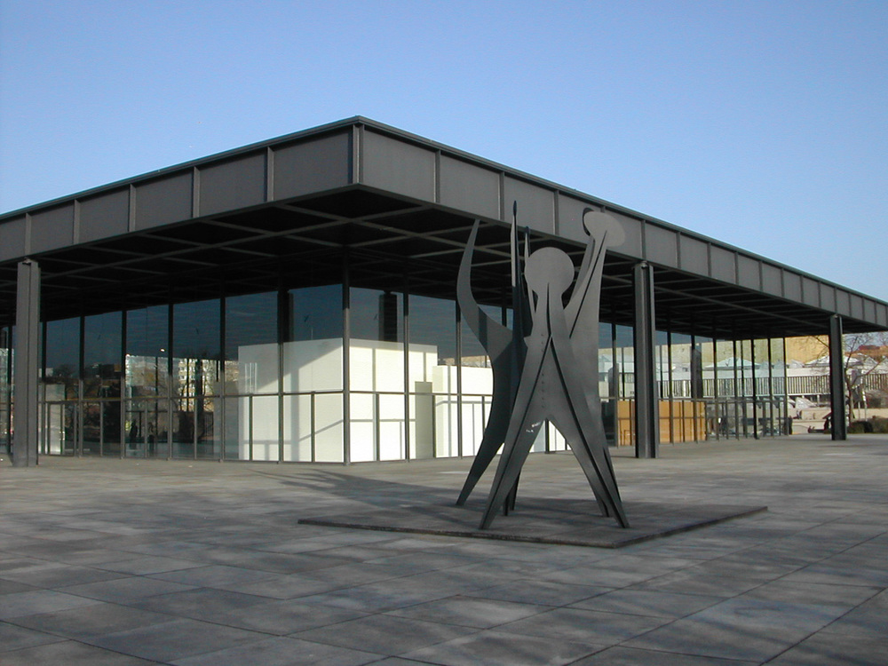 Neue_Nationalgalerie_Berlin_2004-02-21.jpg