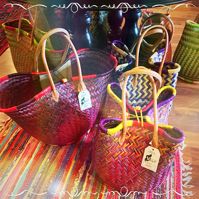 These incredible Raffia baskets and bags are handmade in Madagascar!  Sustainable• Quality• Fair Trade• Community Support #valyexport  #bohemia #bohemian #bohostyle #madeinmadagascar #handmade #fairtrade #raffiabag #shoplocal #supportlocal