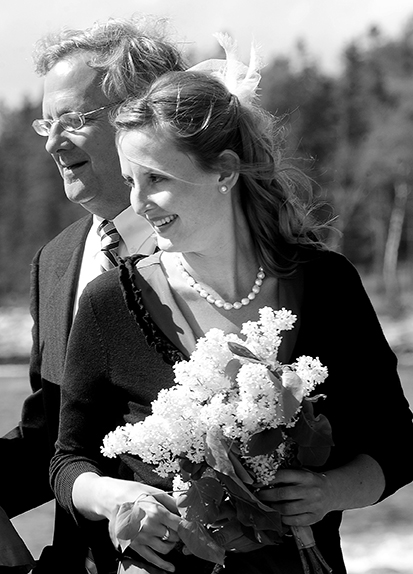AMW_9635 Sisiter and dad bw.jpg