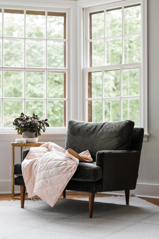 HOME GOODS - Quilts & Pillows
