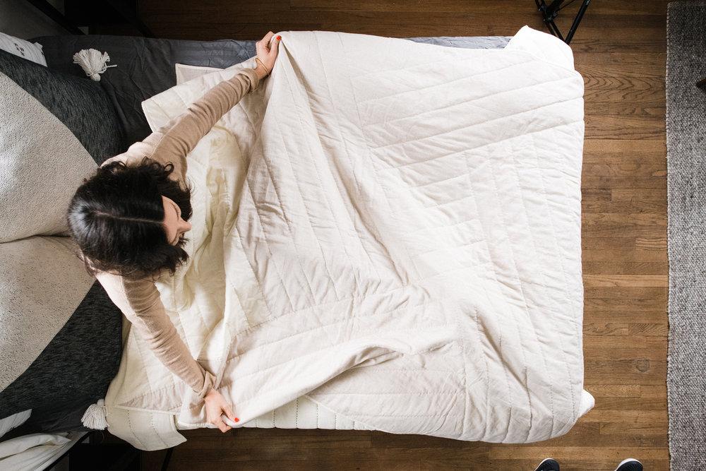 Riane Vessel Quilt Lifestyle3218-sm.jpg