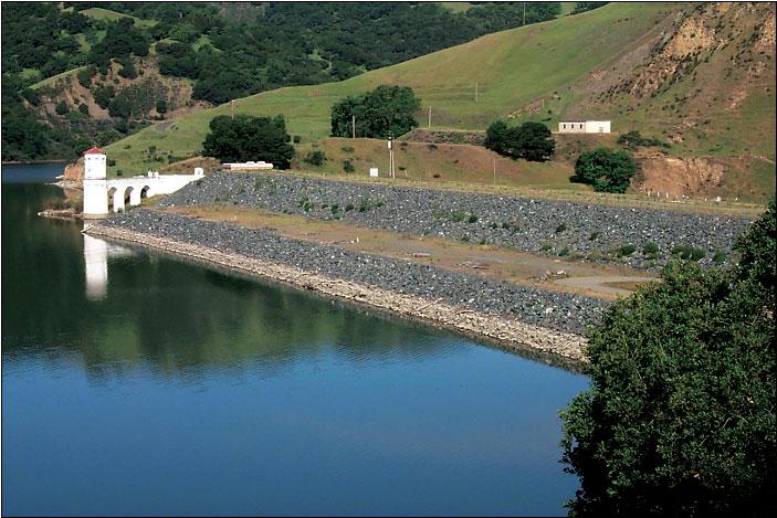 Calaveras Dam.jpg