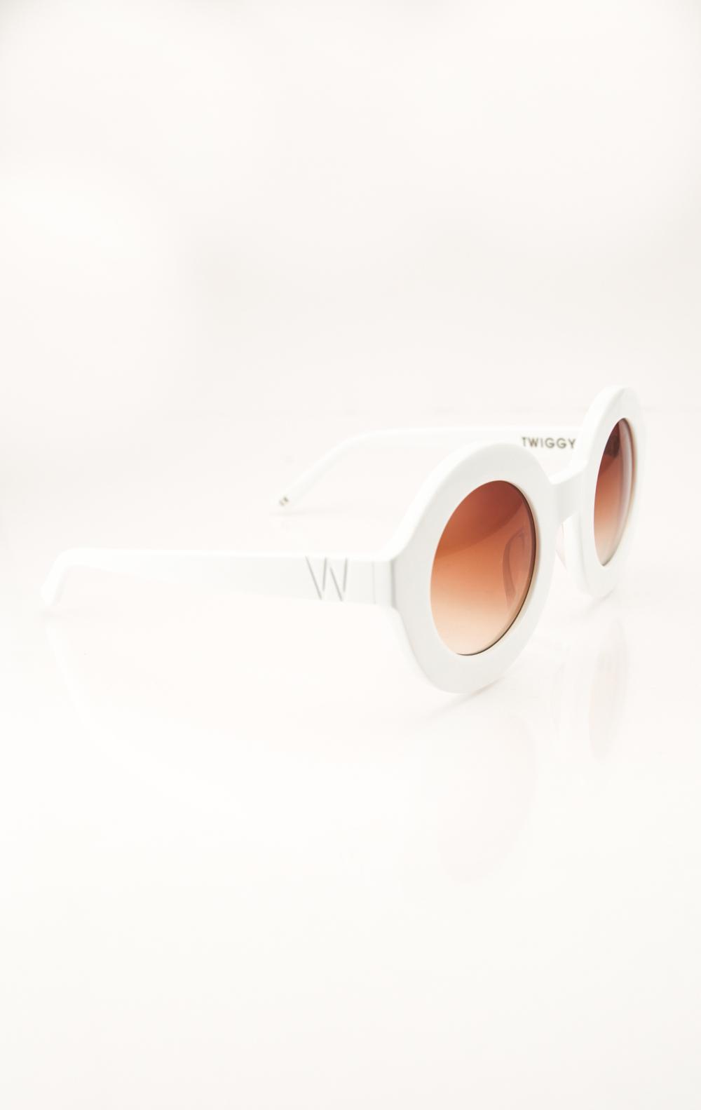 Twiggy Frames in white
