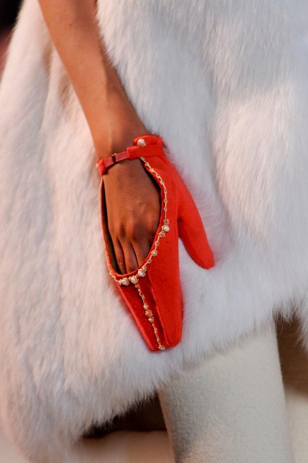 ulyana-sergeenko-details-haute-couture-autumn-2013----pfw8.jpg