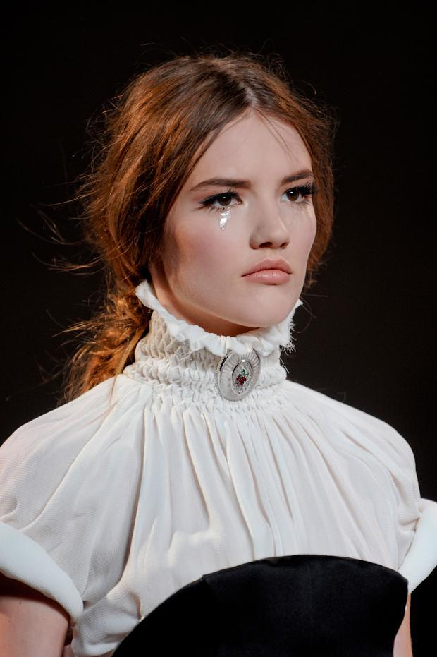 ulyana-sergeenko-details-haute-couture-autumn-2013----pfw12.jpg