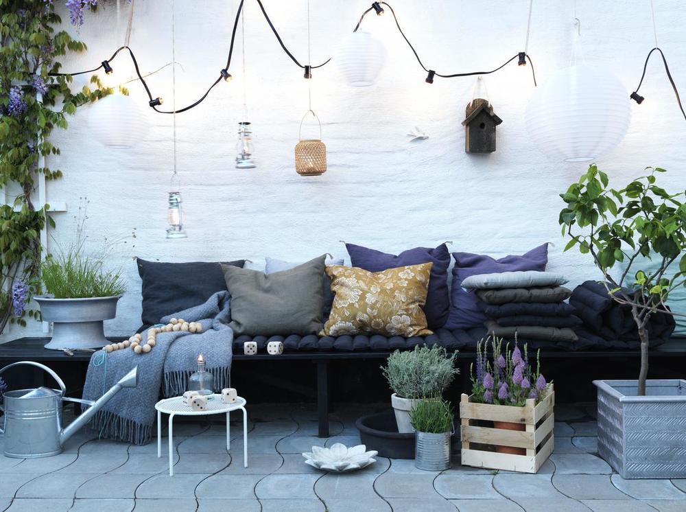 petra-bindel-photographer-swedish-style-patio.jpg