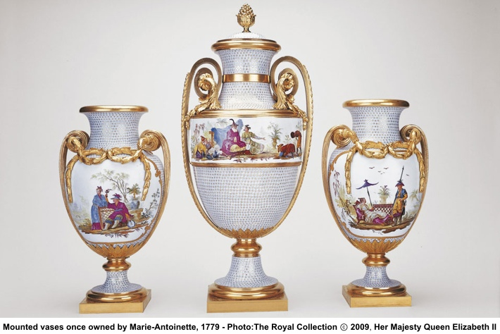 Mounted_Vases_owned_by_Marie_Antoinette.jpg