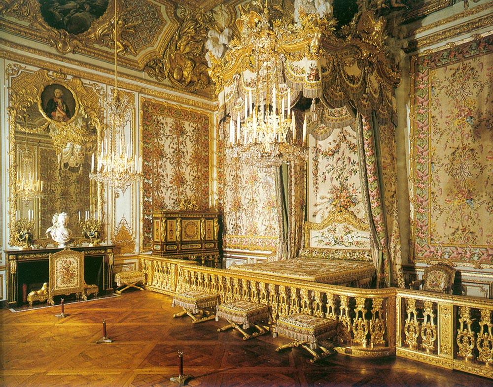 Versailles_Queen's_Chamber.jpg