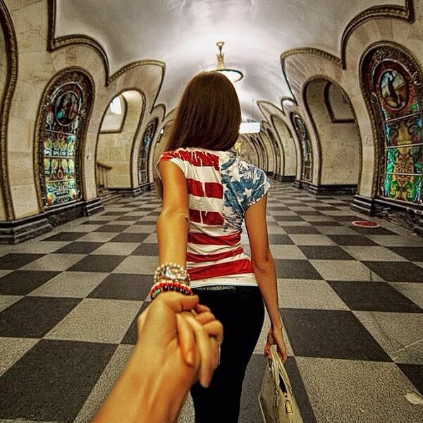 murad-osmann-follow-me-to-pictures-photographers-girlfriend-leads-him-around-the-world-13.jpg