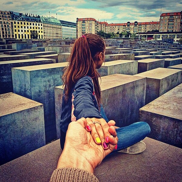 murad-osmann-follow-me-to-pictures-photographers-girlfriend-leads-him-around-the-world-29.jpg