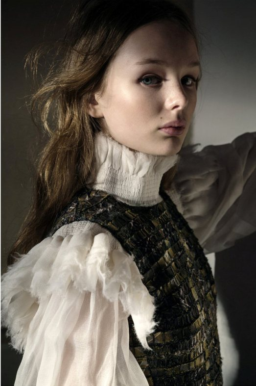 hedvig-liv-fia-tuva-by-elisabeth-toll-for-scandinavia-ssaw-magazine-fall-winter-2013-6.jpg