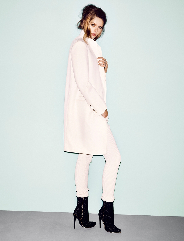 Frida-Gustavsson-by-Hasse-Nielsen-Carte-Blanche-Vogue-Germany-December-2013-5.jpg