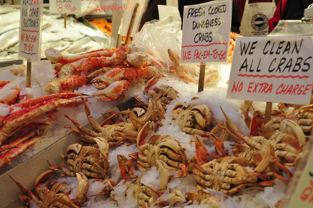 Dungeness_Crabs_at_the_Market.jpg