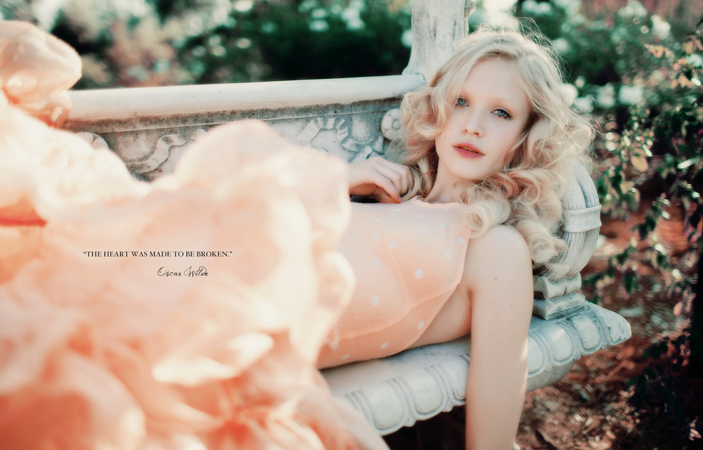 SUMMER_ROYAL_ROMANCE_FOX_BOOK-40.jpg