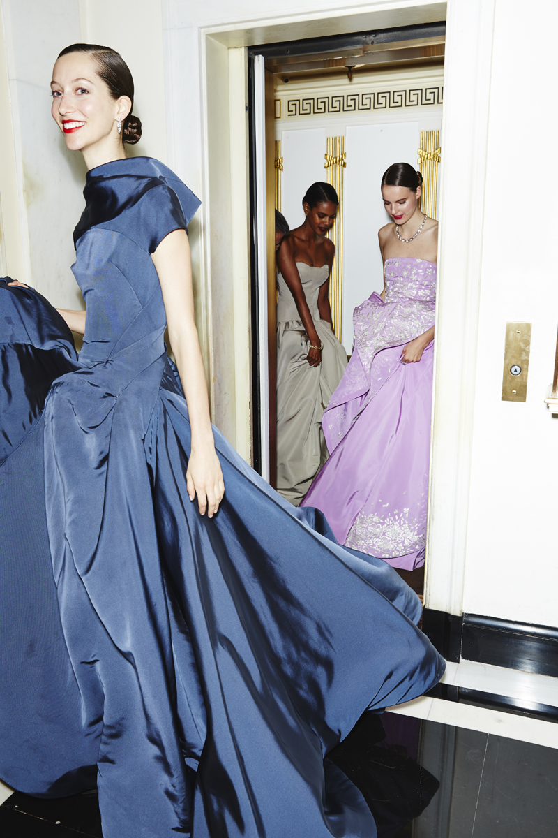 met-gala-ball-gowns-cass-bird-02_093124409890.jpg