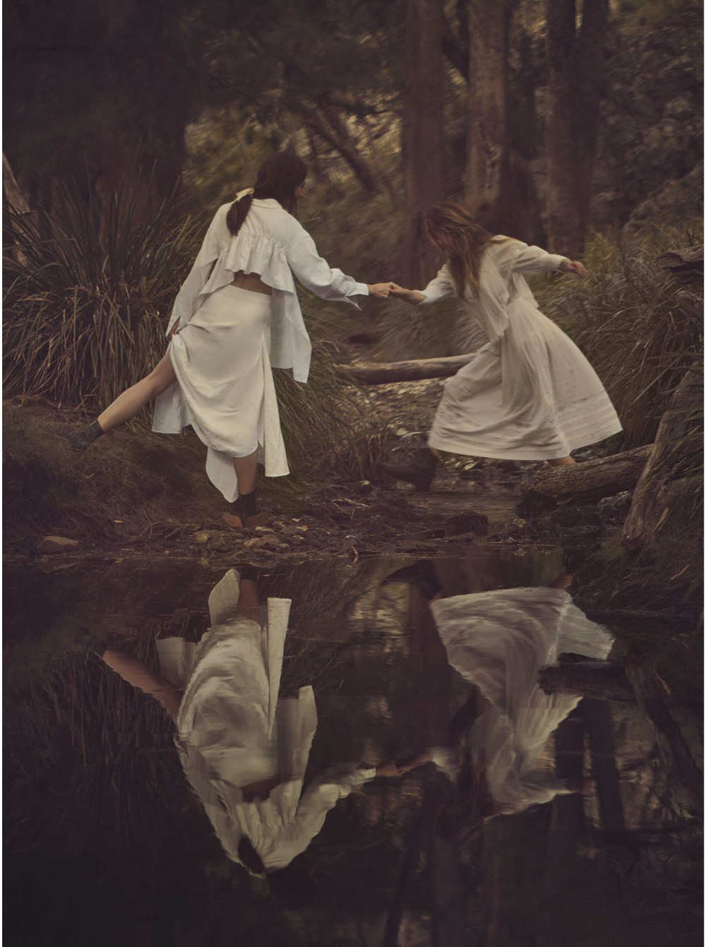 teresa-palmer-phoebe-tonkin-by-will-davidson-for-vogue-australia-march-2015-13-1.png