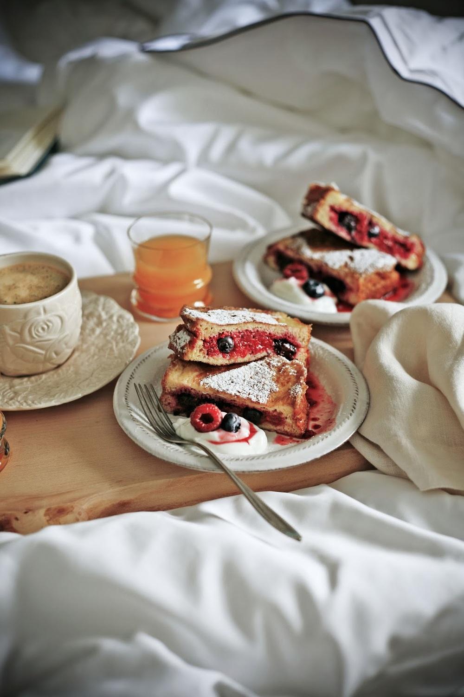 breakfast in bed00.jpg