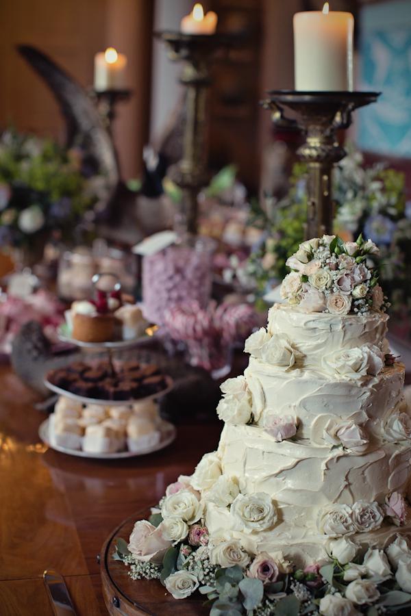 fun-magical-English-wedding-photos-by-Marianne-Taylor-48.JPG