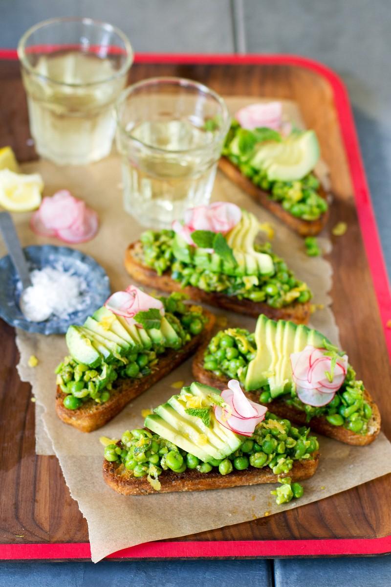 150325_spicy-smashed-pea-avocado-toasts-recipe_v_medium.jpg