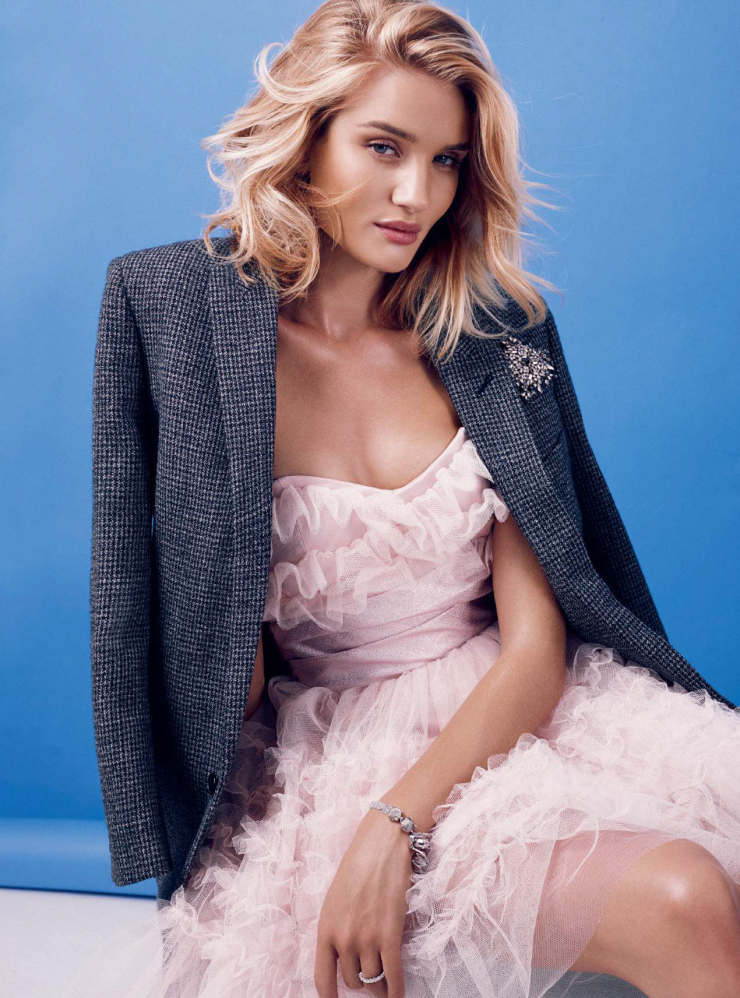 rosie-huntington-whiteley-by-alexi-lubomirski-for-harper_s-bazaar-uk-september-2015-5.jpg