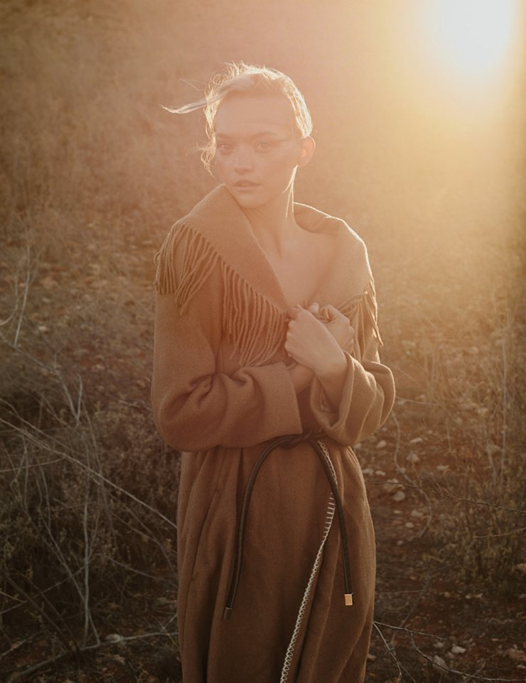 gemma-ward-by-stephen-ward-for-russh-magazine-augustseptember-2015-1.jpg