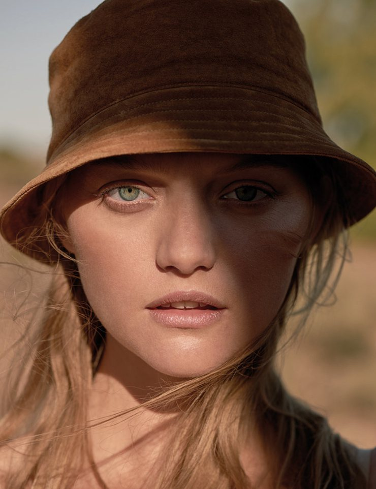 gemma-ward-by-stephen-ward-for-russh-magazine-augustseptember-2015-6.jpg